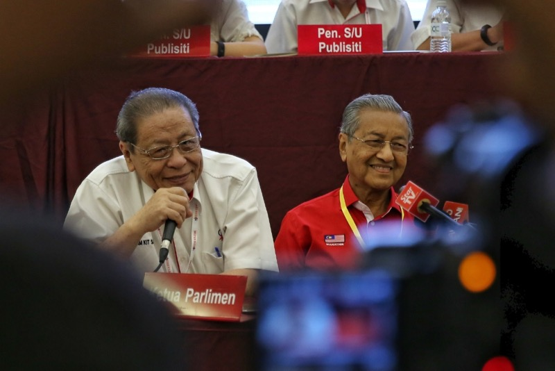 Lim (left) said a seasoned politician like Dr Mahathir was unlikely to kow-tow to him now. — File pic