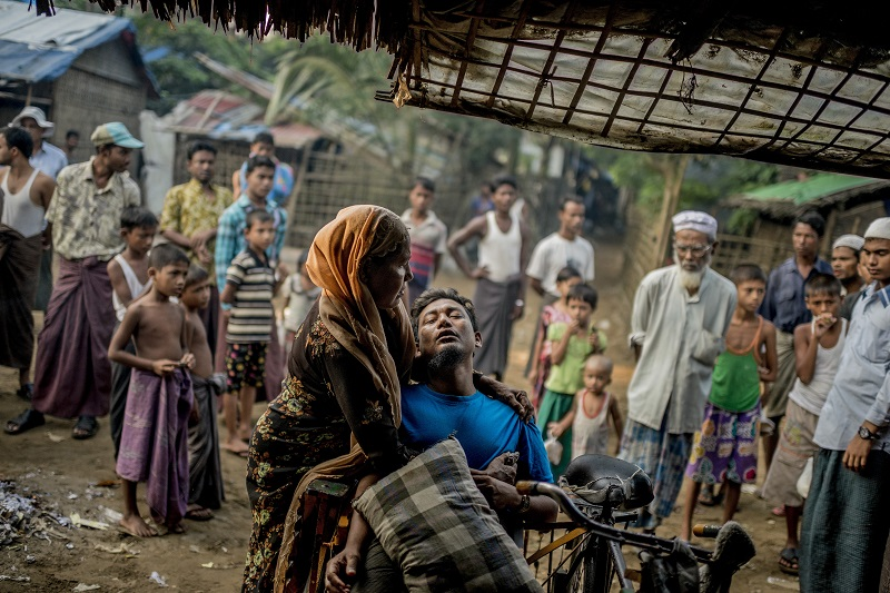Thousands of Rohingyas are being displaced due to reported violence at the state of Rakhine. — Picture by Tomas Munita/The New York Times