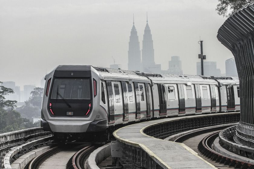 An MRT train is pictured on the Sungai Buloh-Kajang Line on December 16, 2016. — Picture by Yusof Mat Isa