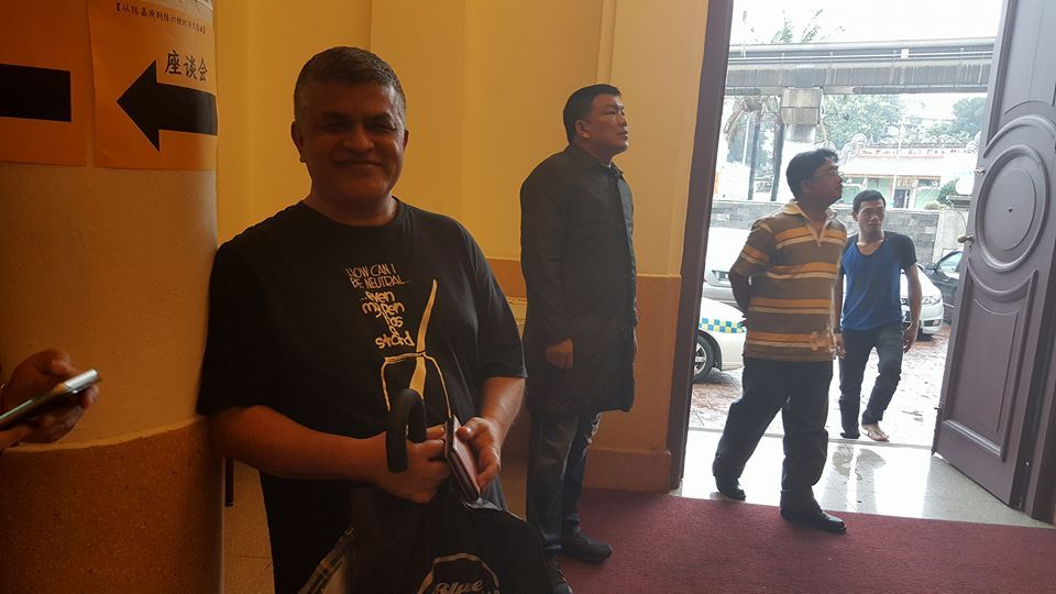Police arrested cartoonist Zunar (left)  and five others at the 'Tea With Zunar' event at the Kuala Lumpur-Selangor Chinese Assembly Hall (KLSCAH). ― Picture by Emmanuel Joseph