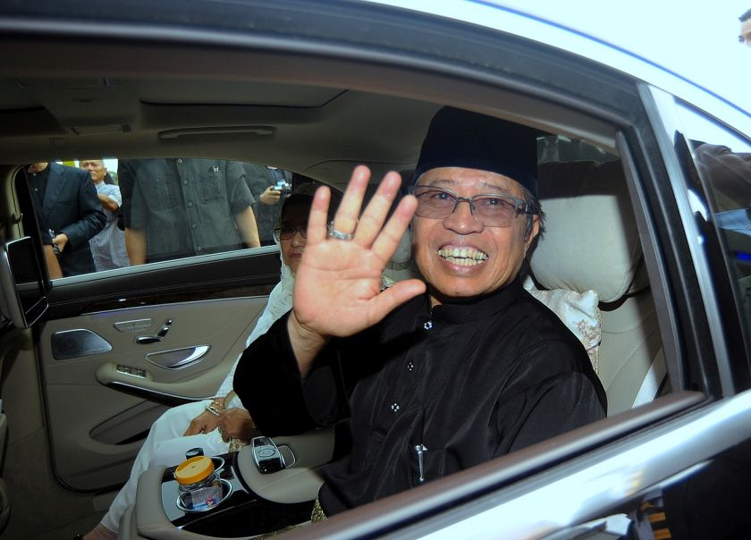 Datuk Patinggi Abang Johari Openg today denied that the state government has offered 600,000 hectares of state land to 'whoever is interested for agriculture'. — Bernama pic