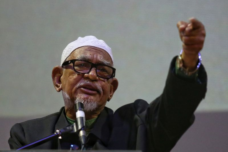 File picture shows PAS president, Datuk Seri Abdul Hadi Awang speaking at the 355 Rally press conference in Dewan MBSA Shah Alam, January 7, 2017. — Picture by Saw Siow Feng