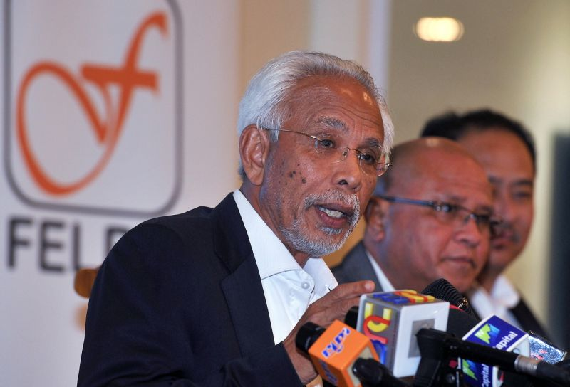 Felda chairman Tan Sri Shahrir Abdul Samad today clarified that the agency had not lost RM4.3 billion as reported. ― Bernama pic
