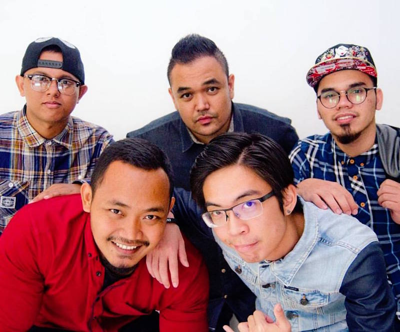 Colour of Voices wrap up 2016 by performing a medley of the top Malay hits of 2016. — Handout via TheHiva.Asia