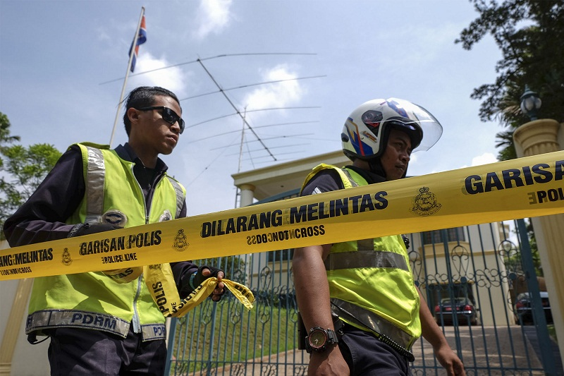 Malaysian police seal off access into and out of the North Korean embassy in Damansara Heights, Kuala Lumpur after the government imposed a ban on its diplomats from leaving the country on March 7, 2017. — Picture by Yusof Mat Isa