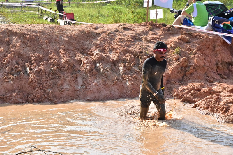 He may look dejected here but this racer completed the course with a smile.