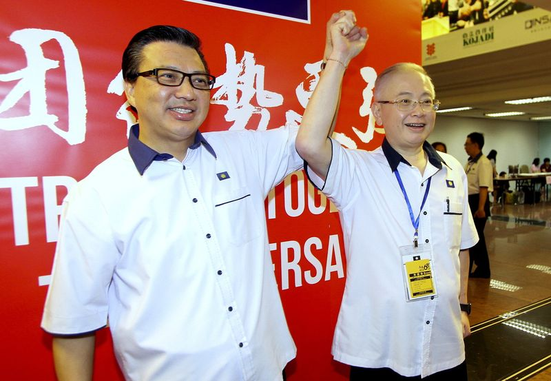 Datuk Seri Wee Ka Siong (right) reminded the Penang chief minister that the DAP had been in power for over nine years and could not shift the blame for illegal factories in the state to the Barisan Nasional. — Bernama pic