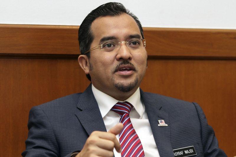Datuk Dr Asyraf Wajdi Dusuki. ― Picture by Yusof Mat Isa