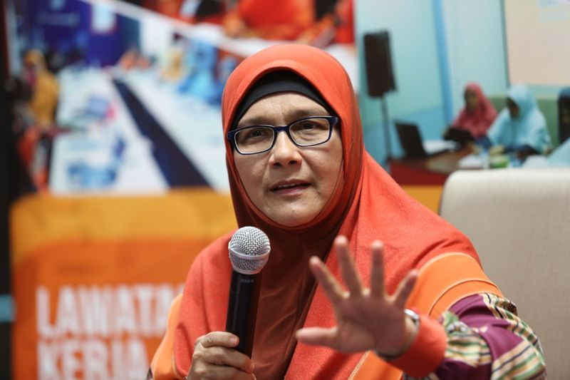 Parti Amanah Negara MP Dr Siti Mariah Mahmud says domestic violence and cohabitation among unmarried couples are two different issues that must be handled separately. — Picture by Saw Siow Feng