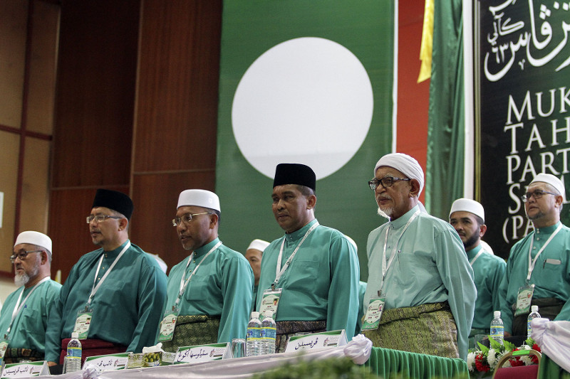 DAP and Amanah have repeatedly pushed Pakatan Harapan to cease efforts on PAS, and to focus on the parties that are already in the pact. — Picture by Yusof Mat Isa