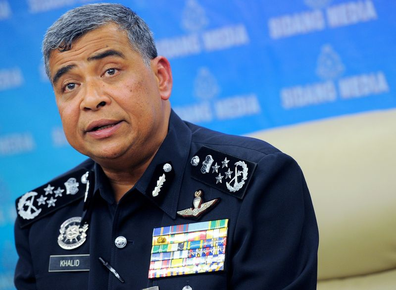 IGP Tan Sri Khalid Abu Bakar says police personnel are not allowed to conduct checks on illegal immigrants without clearance from their district police chief.  — Bernama pic