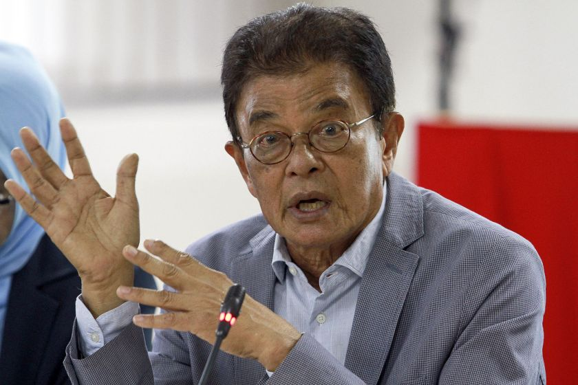 Suhakam chief Tan Sri Razali Ismail has criticised a federal minister for calling on the authorities to 'hunt down' atheists. — Picture by Yusof Mat Isa