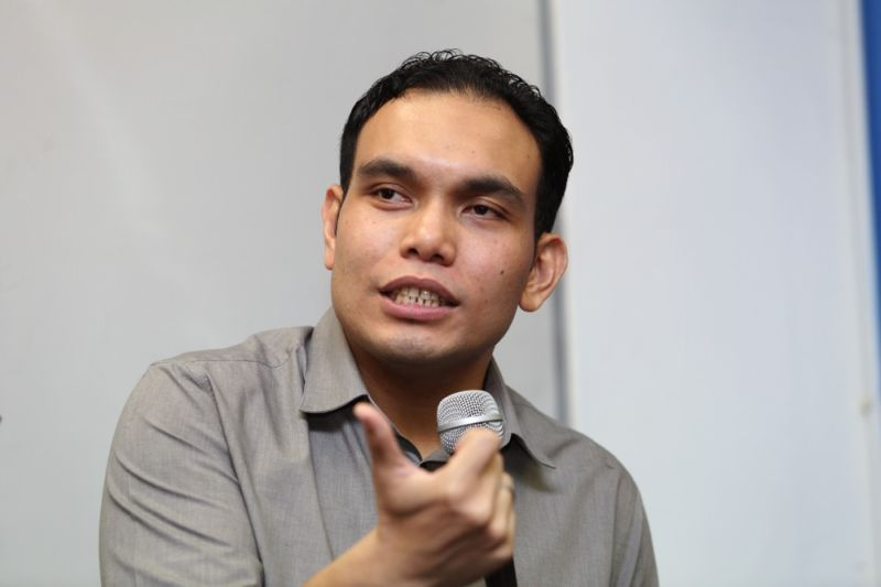 Civil rights lawyer Syahredzan Johan said there is no specific legislation that makes atheism an offence under civil laws, further arguing that the Sedition Act cannot be used against someone for being an atheist. ― Picture by Choo Choy May