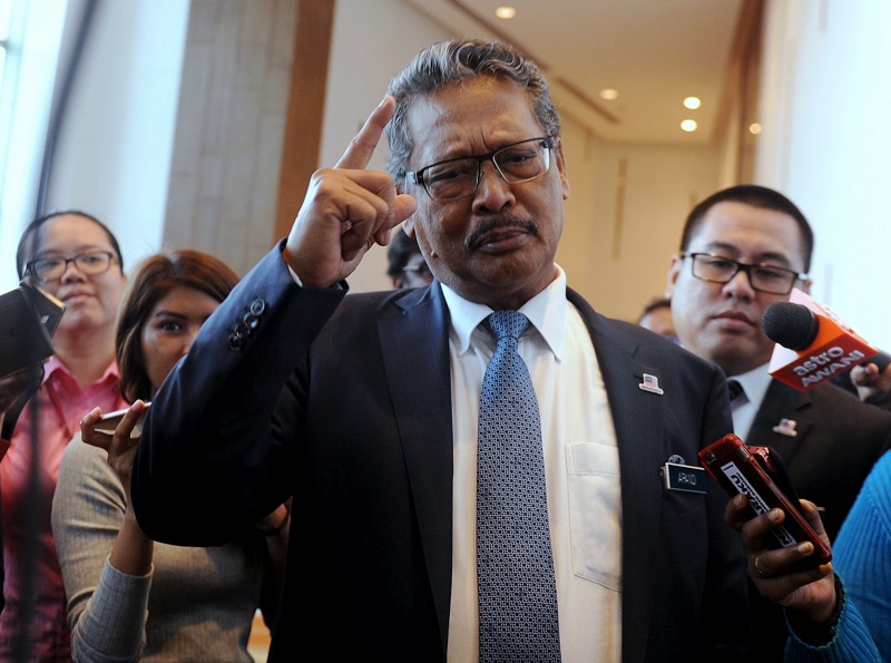 Attorney-General Tan Sri Mohamed Apandi Ali said the guidelines, effective immediately, were an addition to the firearm guidelines adopted by enforcement agencies regarding the use of firearms. — Bernama pic