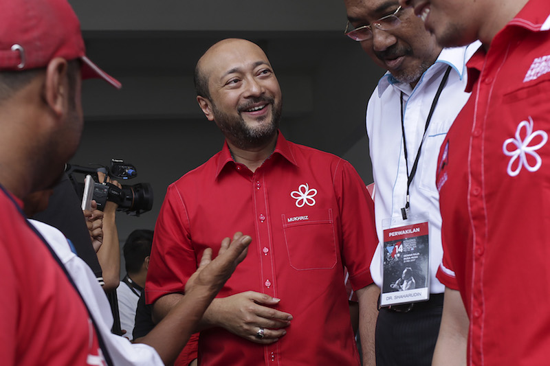 Datuk Seri Mukhriz Mahathir said the Kedah government is planning to give incentives to ketum growers in the state to switch to other crops. — Picture by Yusof Mat Isa