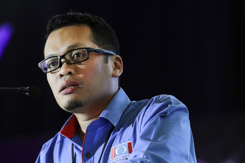 PKR organising secretary Nik Nazmi Nik Ahmad said that the latest directive contradicts NSC previous approval letter issued on May 27. ― Picture by Yusof Mat Isa