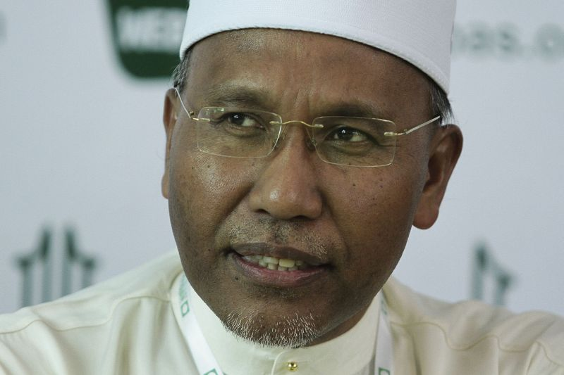 PAS vice-president and Dewan Negara lawmaker Idris Ahmad has tested positive for Covid-19. ― Picture by Yusof Mat Isa