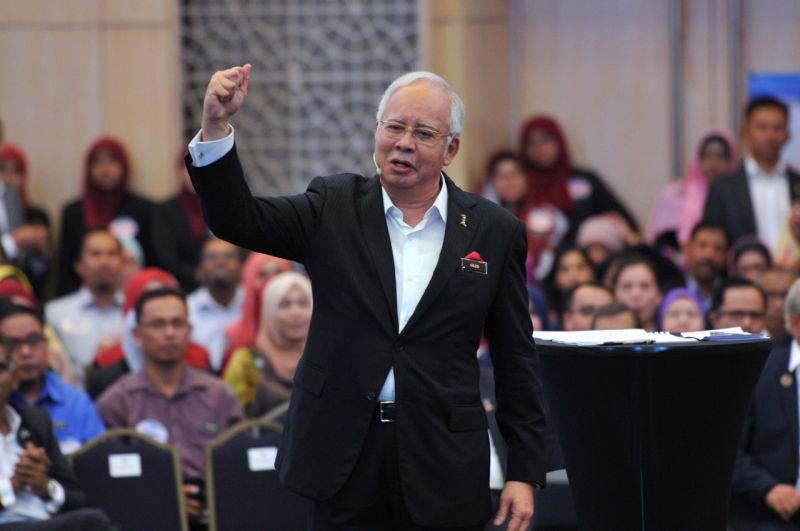 Datuk Seri Najib Razak speaks at a National Transformation 2050 (TN50) dialogue session with civil servants in Putrajaya. ― Bernama pic