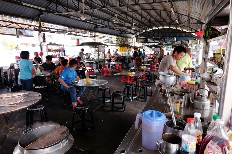 Some of the hawker stalls along Jalan Raja Uda opens from lunch time and some from evening till late night.
