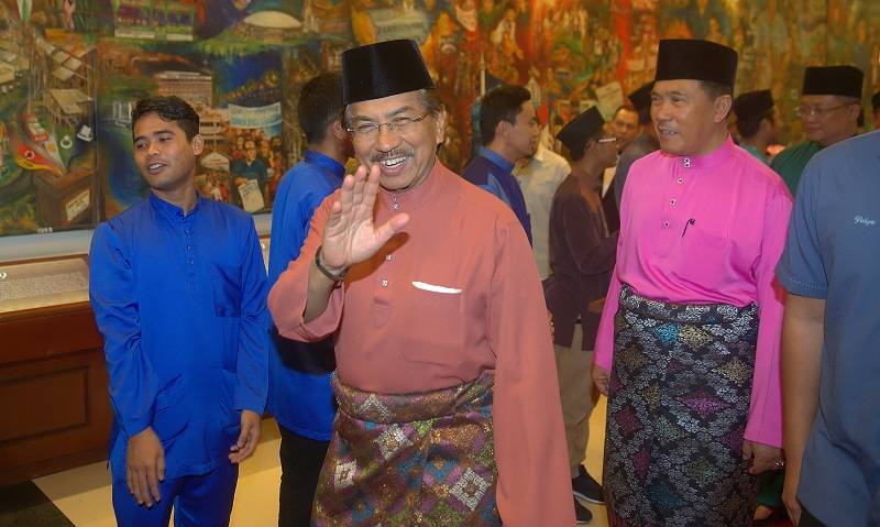 After the May 9 general election, Tan Sri Musa Aman (centre) was sworn in as chief minister on May 10 with a razor thin majority but six defections the next day saw Warisan's Datuk Seri Shafie Apdal gaining the majority. — Bernama pic