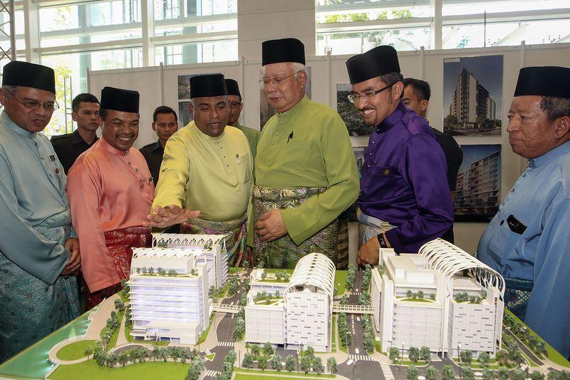 Prime Minister, Datuk Seri Najib Tun Razak during the opening ceremony of the Putrajaya Islamic Complex in Putrajaya, July 18, 2017. — Pix by Yusof Mat Isa