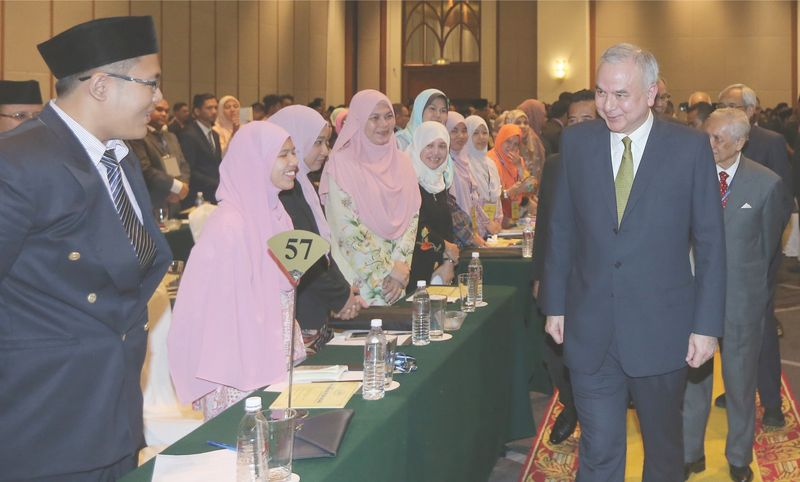 Sultan Nazrin meeting participants of the 'Strengthening National Pillar' convention, August 5, 2017. — Picture by  Razak Ghazali