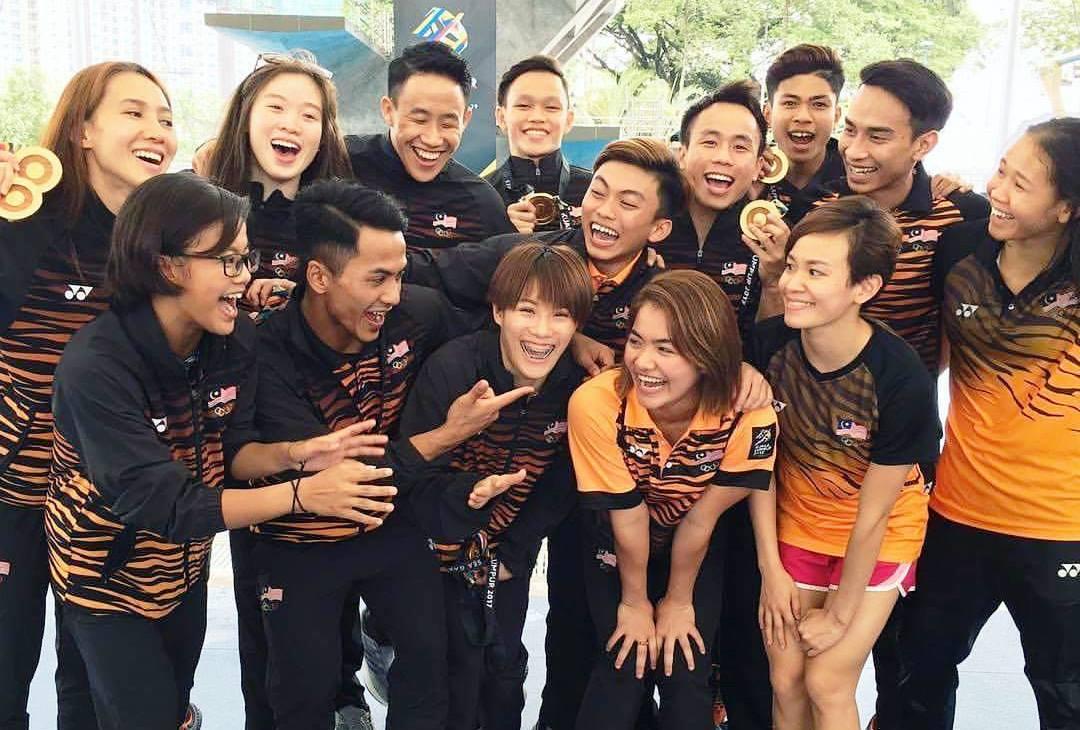 大马跳水队在横扫2017年吉隆坡东运会全部跳水金牌后的快乐合影。-摘自国家体理会脸书-