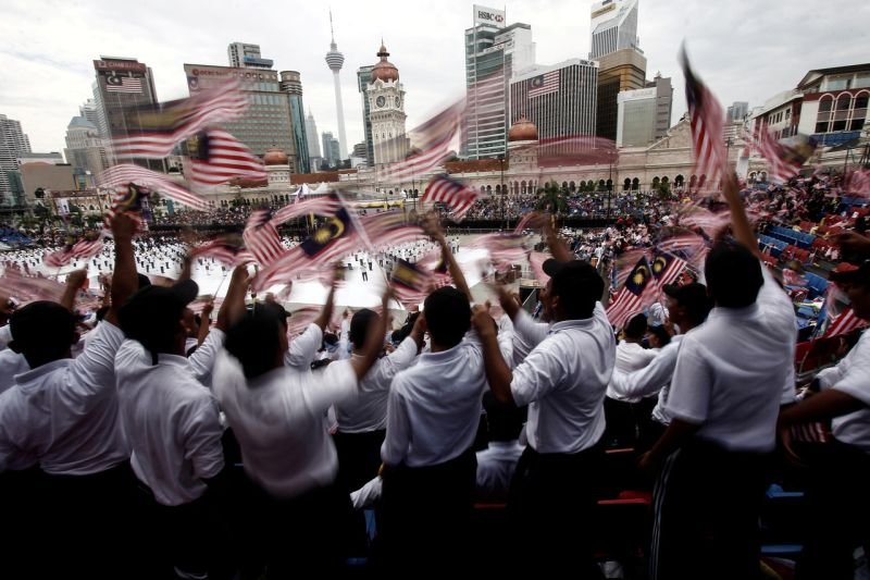 The National Association of Skilled Workers said August 6, 2019 youth and workers associations need to create a climate that will attract more foreigners to invest in Malaysia. ― Bernama pic