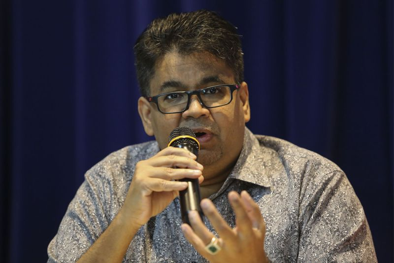PPBM supreme council member Datuk Rais Hussin Mohamed Ariff (pic) pointed out that PH had a responsibility to uphold the rule of law, and that very process of releasing Datuk Seri Anwar Ibrahim would take time and stages. ― Picture by Yusof Mat Isa