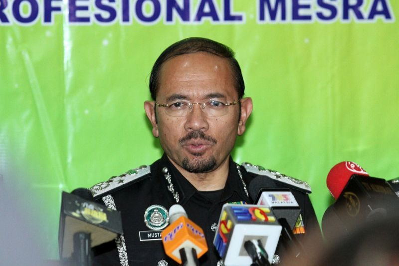 Datuk Seri Mustafar Ali said the employers abuse the i-kad to avoid paying different levy charges for each sector, especially sectors with higher charges. — Picture by Miera Zulyana