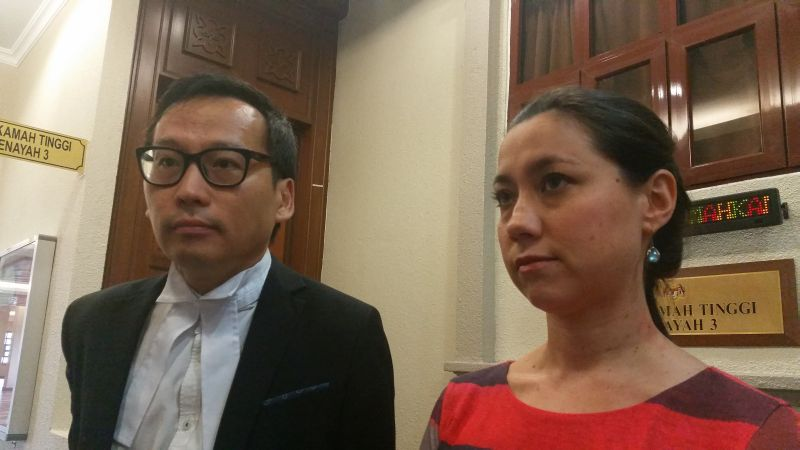 Lawyer Eric Paulsen said his client Bilqis Hijjas (right) will not plead guilty and will defend the charge of 'insulting behavior' over the release of yellow balloons. — Picture by Ida Lim