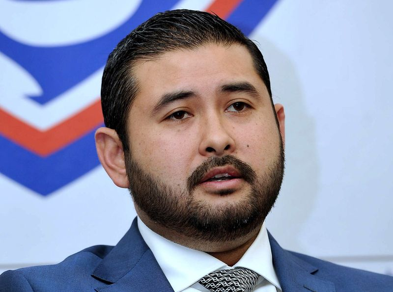 Tunku Ismail Sultan Ibrahim pointed out that the university is a place to gain and impart knowledge. — Bernama pic