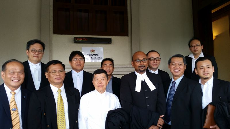 Church leaders with some of the lawyers for Sarawakian Bumiputera Christian Jill Ireland Lawrence Bill and some of the lawyers who held watching briefs. ― Picture by Ida Lim