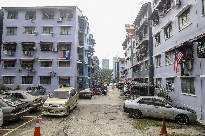 Surroundings of the low-cost Taman Angkasa Flats in Lembah Pantai. — Picture by Yusof Mat Isa