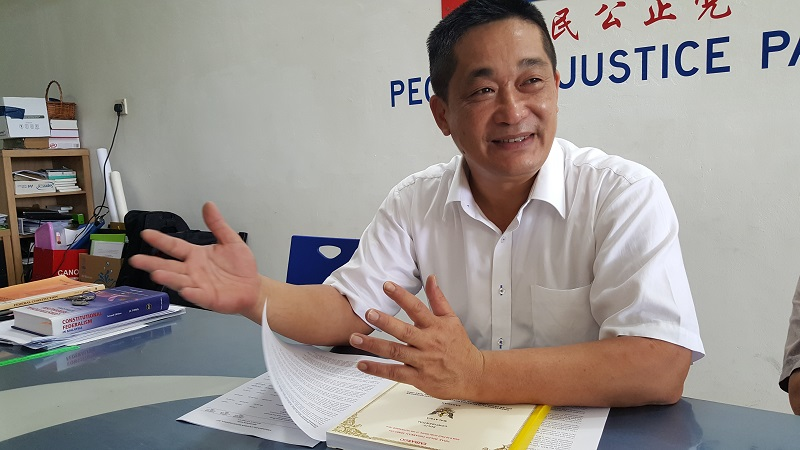 Batu Lintang state assemblyman See Chee How (pic) was sacked from PKR last month. — Picture by Sulok Tawie