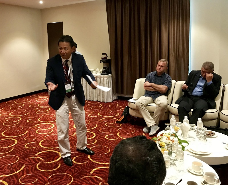 Dr Lee briefing speakers on Malaysia's scenario of exercise medicine at the World Conference on Exercise Medicine in Langkawi. — Picture by A. RUBAN