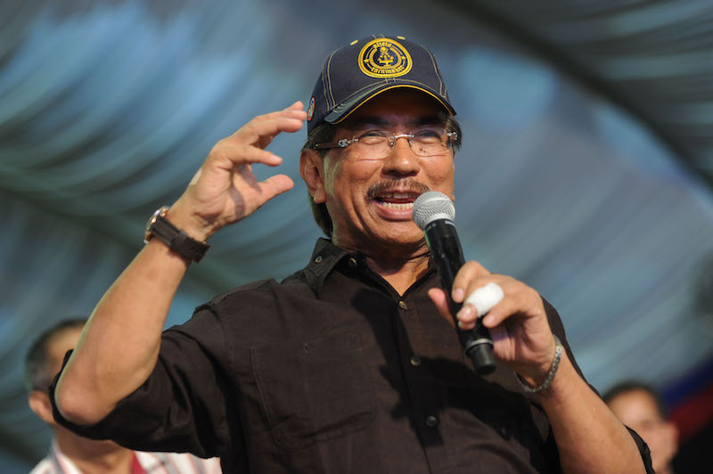 Musa hopes that Sabahans will give Barisan Nasional (BN) a fresh mandate so that it can continue with its development agenda and look after their needs. — Malay Mail pic