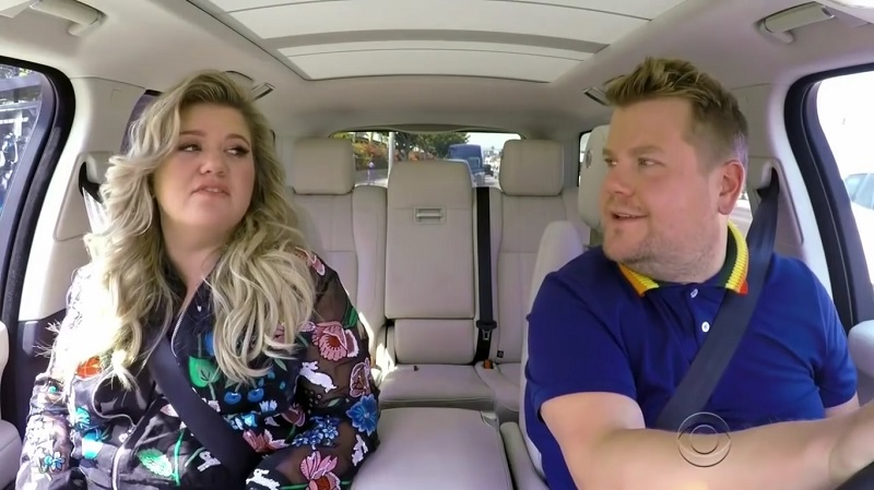Watch Kelly Clarkson hang out with in this new episode of 'Carpool Karaoke'.