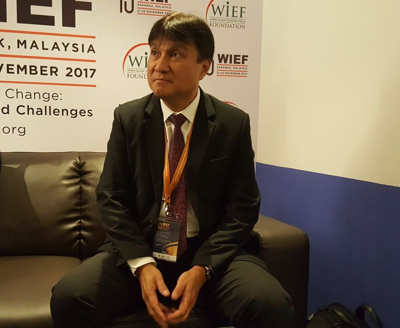 Sarawak Energy Berhad chief executive officer Sharbini Suhaili says the bulk of power from SEB goes to Samalaju Industrial Estate, November 22, 2017. — Picture by Sulok Tawie