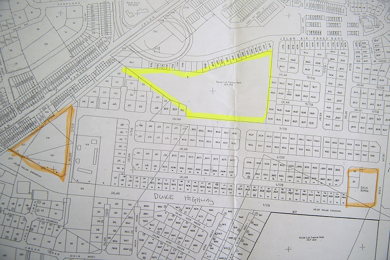 The proposed project site outlined in yellow is specified as 'Rezab Loji Tapisan Najis' or reserve for sewerage treatment plants in a map obtained by a Taman Tiara Titiwangsa resident from DBKL in the early 2000s.