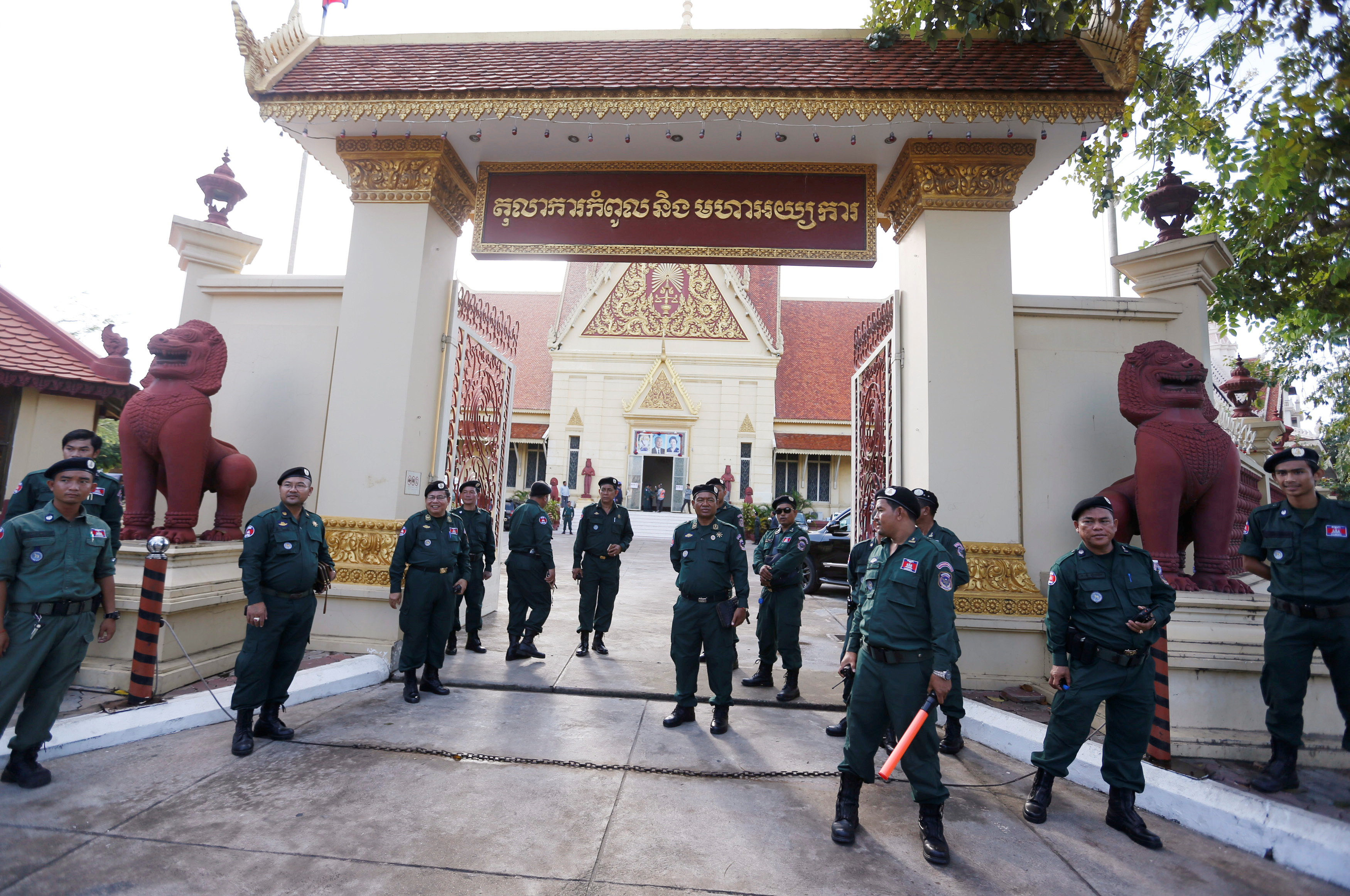 Police officers stand guard at the Supreme Court during a hearing to decide whether to dissolve the main opposition Cambodia National Rescue Party (CNRP), in Phnom Penh, Cambodia, November 16, 2017. — Reuters pic