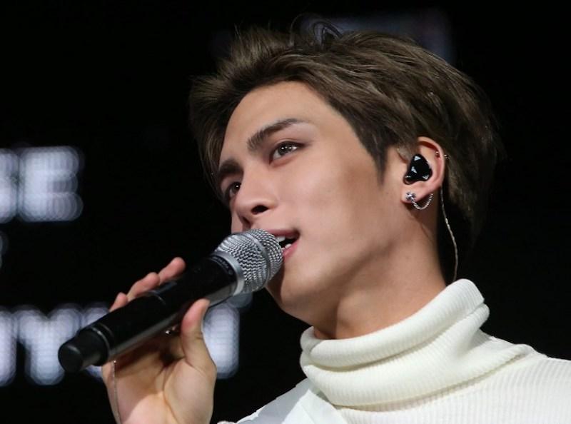 Kim Jong-hyun was the main vocalist of popular K-pop group SHINee. — AFP pic