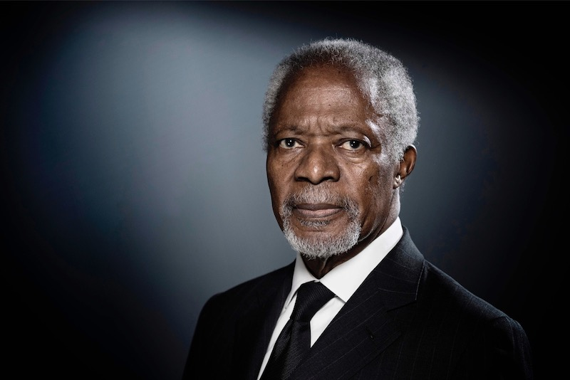 Former United Nations (UN) secretary-general Kofi Annan poses during a photo session in Paris on December 11, 2017. — AFP pic