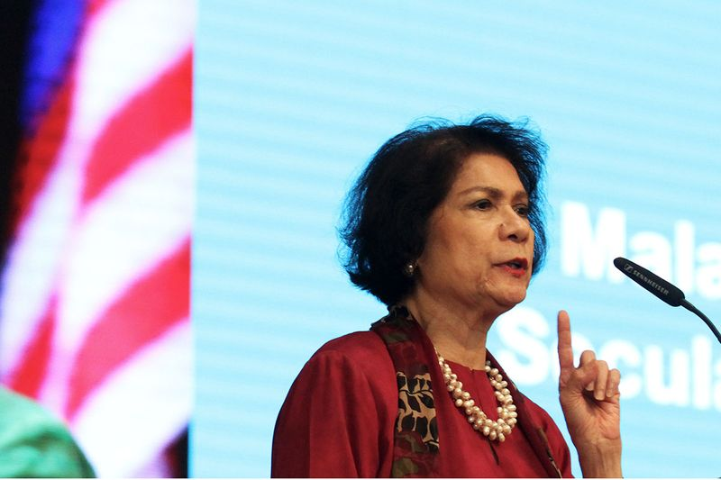 Datuk Noor Farida Mohd Ariffin speaking during the 6th Civil Rights Award Prize Giving Ceremony and Dinner at KLSCAH, Kuala Lumpur on Decmeber 12, 2017. — Picture by Miera Zulyana