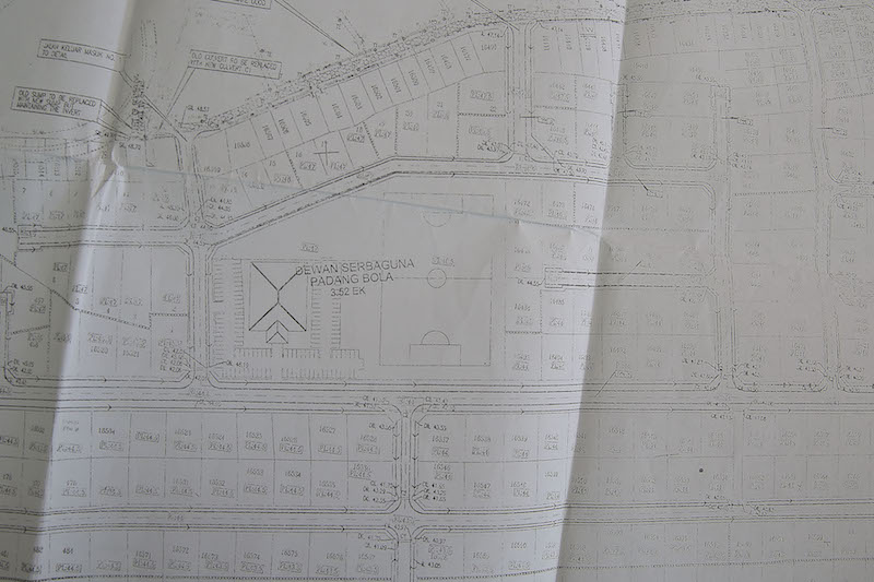 A portion of the Road and Drainage Layout Plan dated 2005 where a multi-purpose hall and football field was proposed on the land that is now currently the proposed project site. — Picture by Yusof Mat Isa