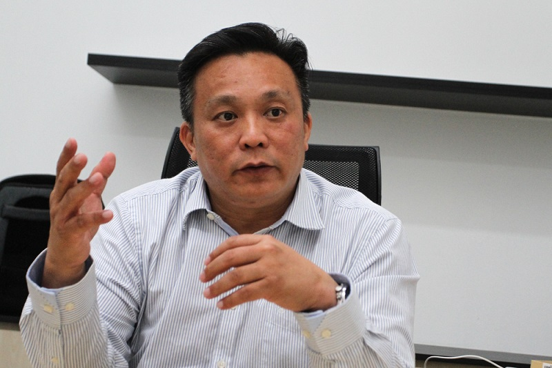Entopest General Manager Roy Heng speaks to Malay Mail during an interview in Shah Alam January 29, 2018. —  Picture by Shafwan Zaidon