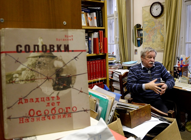 A picture taken on January 10, 2018 shows Russian historian Anatoly Razumov, 62, speaking during an interview with AFP in Saint Petersburg. — AFP pic