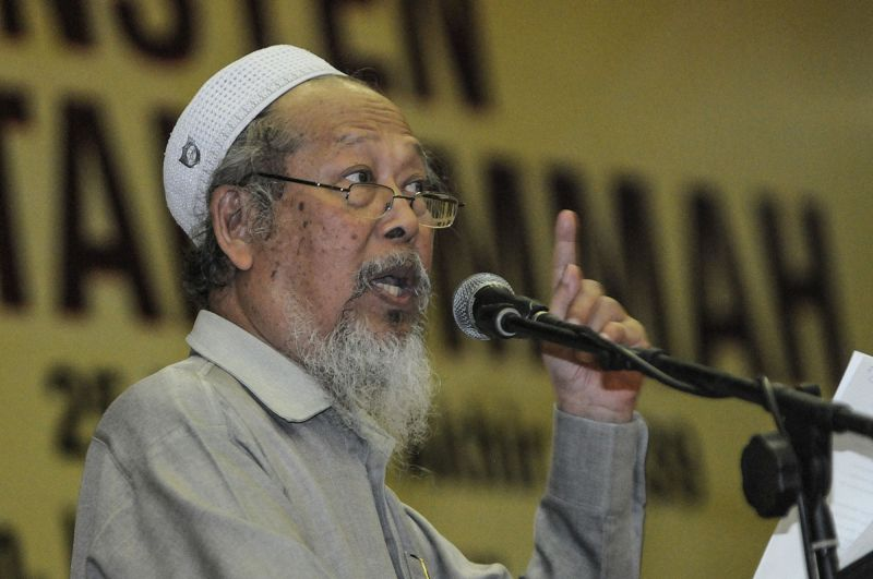 Ummah chairman Ismail Mina Ahmad claimed that only members of the Malay community had fought for the country. —  Picture by Miera Zulyana
