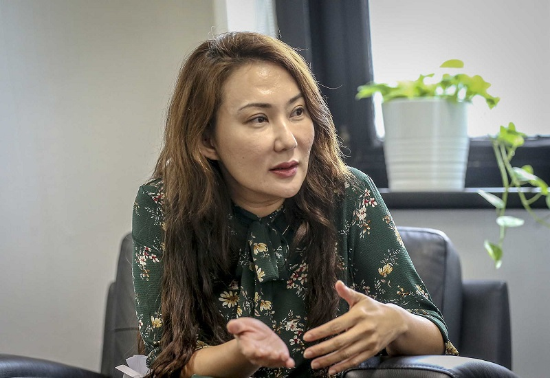 Maybank's Sally Lye Saw Im said HouzKEY uniquely locks-in the property price for participants when they sign up for the rent-to-own scheme, allowing HouzKEY participants to later enjoy the capital appreciation just like homeowners would. — Pictures by Firdaus Latif