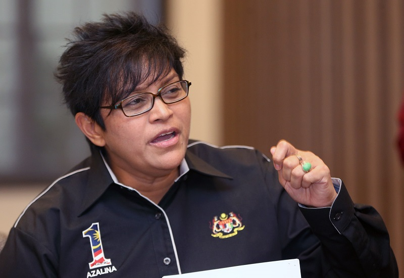 Azalina said the anti-fake news Bill, which was tabled in Cabinet today, is expected to go for the first reading in the Dewan Rakyat next week. — Picture by Razak Ghazali